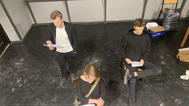 Studenci, absolwenci i wykładowcy Akademii Teatralnej zapraszają na performatywne czytanie online sztuki 'Księżniczka Eisenherz' Franzobla. Premiera - w poniedziałek (30 listopada) o godz. 20