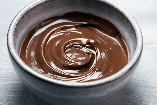 Jak rozpuścić czekoladę? Podpowiadamy wam jaki jest najlepszy sposób stopienia czekolady