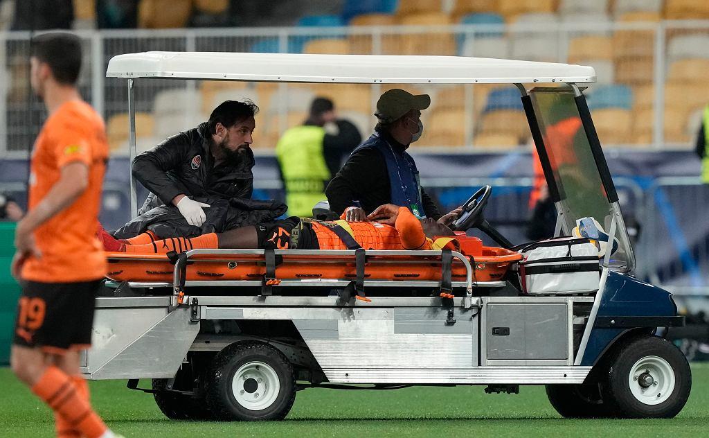 Lassina Traoré kontuzjowany w meczu Szachtar Donieck - Inter Mediolan w Lidze Mistrzów 2021/2022