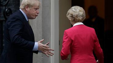 Boris Johnson i Ursula von der Leyen podczas spotkania w Londynie jeszcze przed pandemią