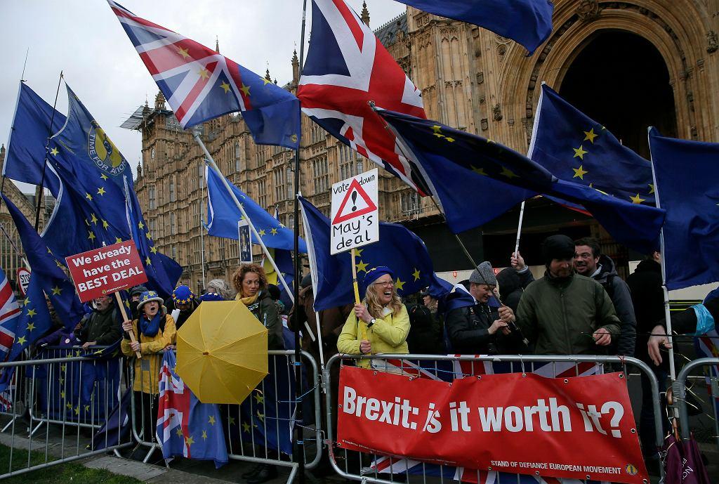 Brexit już niesie dla Brytyjczyków ogromne koszty
