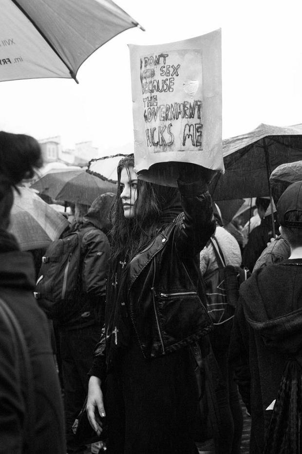 Czarny Protest 2016 - na zdj. Nina z Dziewuszek Dziewuszkom