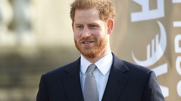 Książę Harry przerywa milczenie.