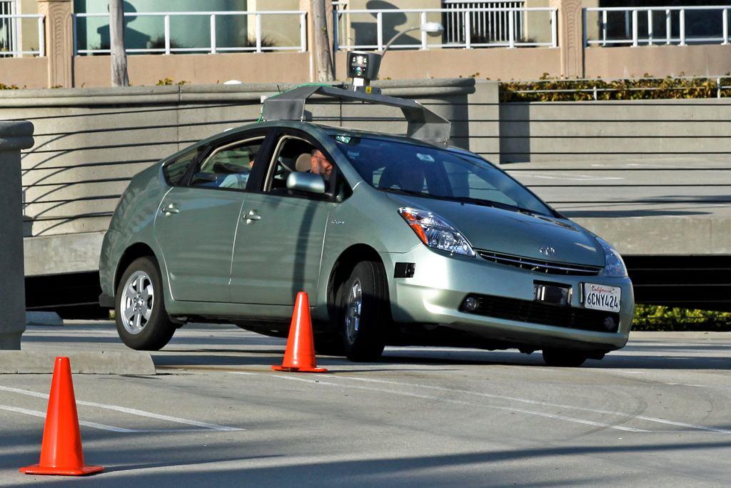 Autonomiczny, testowy samochód Google