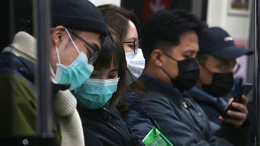 Koronawirus. Produkcja smartfonów będzie najniższa od lat z powodu epidemii. Problemy w Apple i Huawei