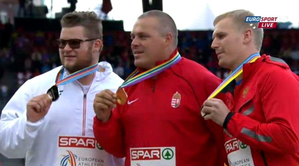 Medaliści mistrzostw Europy w Zurychu. Od lewej: srebrny - Paweł Fajdek (Polska), złoty - Krisztian Pars (Węgry) i brązowy - Siergiej Litwinow (Rosja)