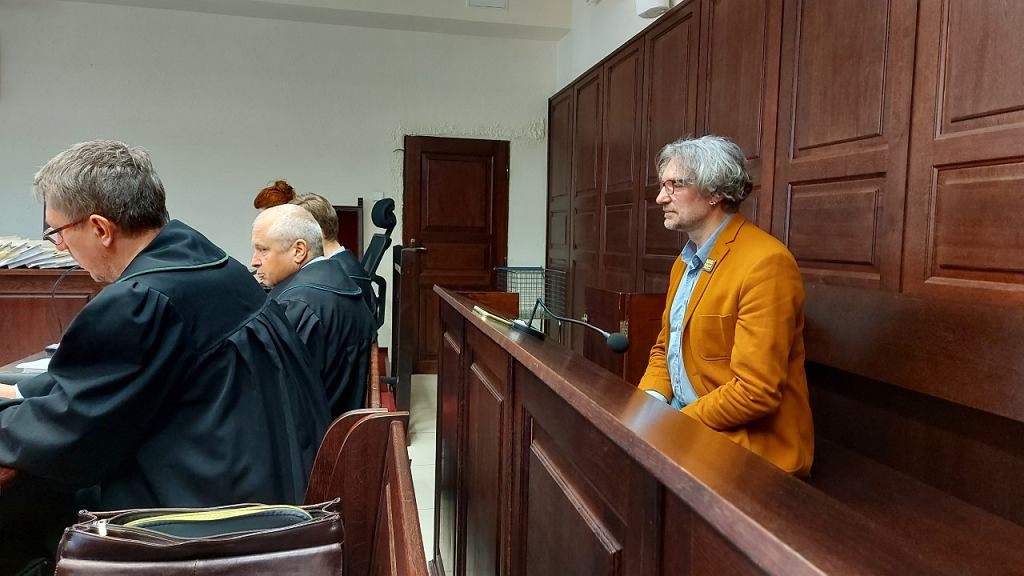Mateusz Kijowski w czasie rozprawy dotyczącej faktur