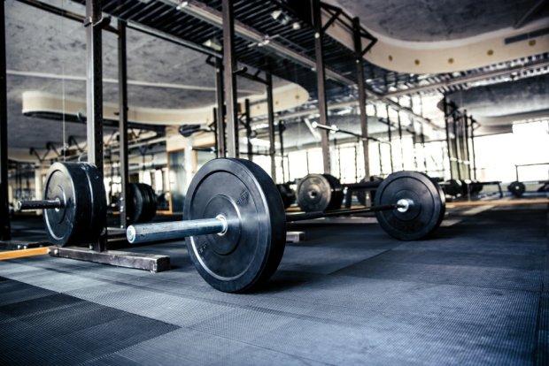 Jak nie umrzeć na siłowni