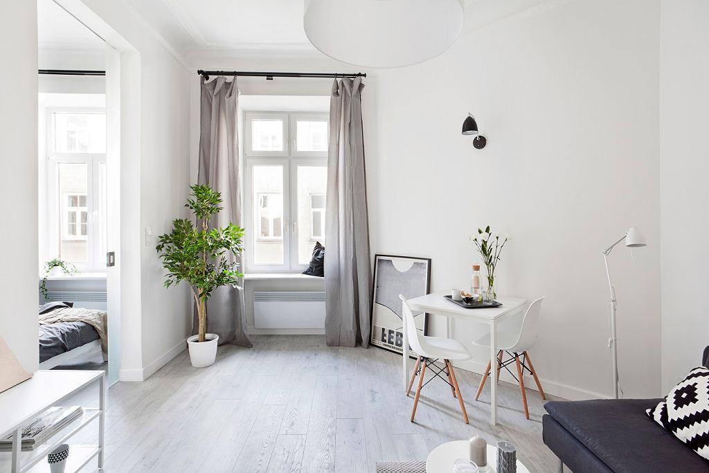 Sztuka prostoty - małe mieszkanie w kamienicy