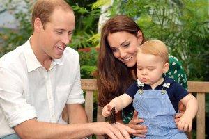 Od narodzin Royal Baby minął już rok. Z okazji pierwszych urodzin Jerzego rodzina królewska opublikowała trzy oficjalne zdjęcia księcia. Wykonano je w Muzeum Historii Naturalnej w Londynie, gdzie księżna Kate i książę William już na początku lipca zaczęli świętować pierwszy rok spędzony z ukochanym synem.
