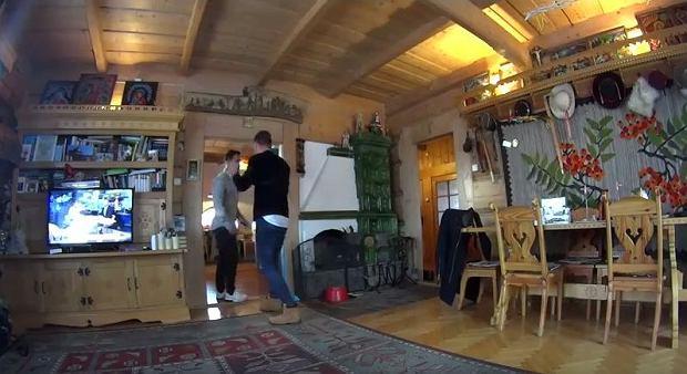 Zdjęcie numer 8 w galerii - Stanisław Karpiel-Bułecka pokazał, jak mieszka. Piękna góralska chata! A jej wnętrze? Istna perełka