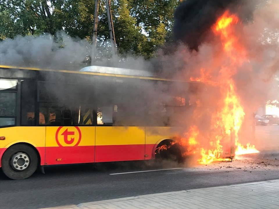 Pożar autobusu na Bielanach