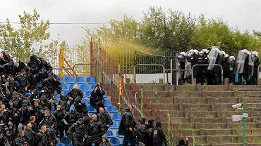 Podczas meczu w Olsztynie (16 września) w sektorze gości zajmowanym przez bydgoszczan musiała interweniować policja