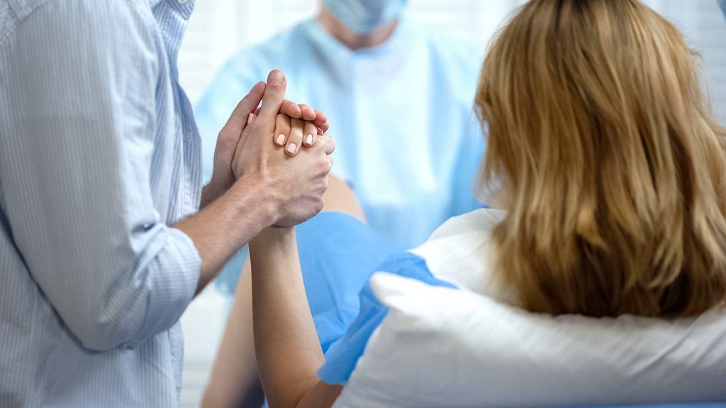 Ból podczas porodu. Niefarmakologiczne i farmakologiczne metody jego łagodzenia