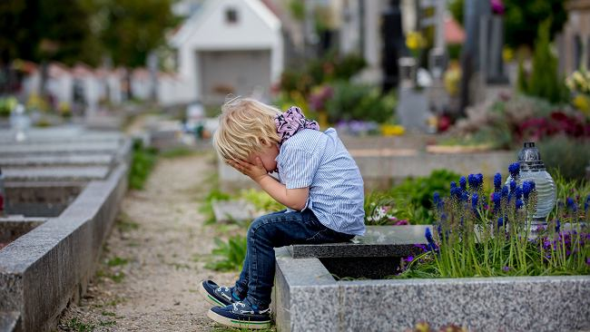 Czy nieletni może dziedziczyć spadek i nim dysponować?