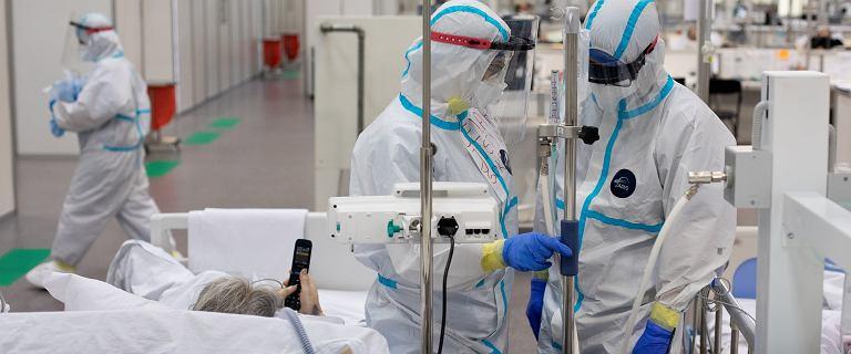 Ministerstwo Zdrowia: 4 255 zakażeń koronawirusem i 343 ofiar śmiertelnych