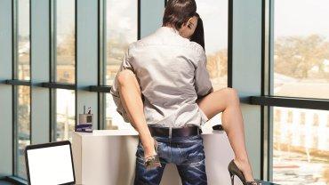Zyskaj kobietę, nie trać pracy. Jak bezpiecznie romansować w firmie