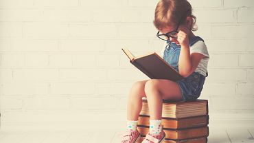 Książka dla 5-latki i 5-latka. Zdjęcie ilustracyjne