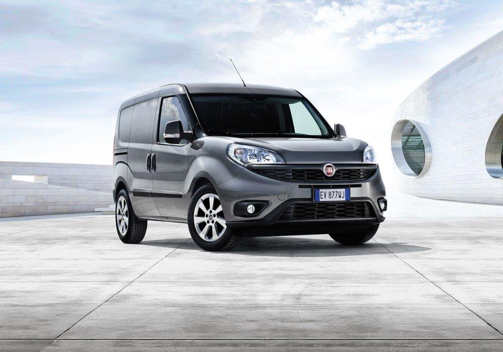 Fiat Doblo FL. Nowy Fiat Doblo zadebiutował we wrześniu i niebawem pojawi się na rynku. To jeden z ważniejszych graczy w segmencie furgonetek