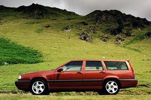 Kupujemy używane: Auto dla dużej rodziny za 5 tysięcy złotych. Dobre propozycje na wakacje z różnych segmentów