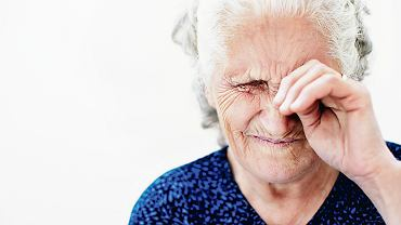 Czasem przy niewielkiej zaćmie pacjenci ledwo widzą. A czasem lekarze nie rozumieją, jak dana osoba w ogóle jeszcze coś dostrzega przy tak rozległych zmianach