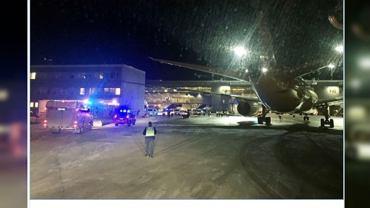 Samolot wbił się skrzydłem w terminal w Sztokholmie