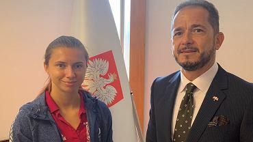 Ambasador Polski w Japonii Paweł Milewski z Krysciną Cimanouską
