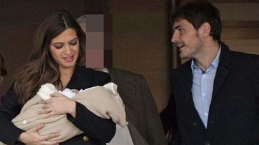 Iker Casillas i Sara Carbonero z synem