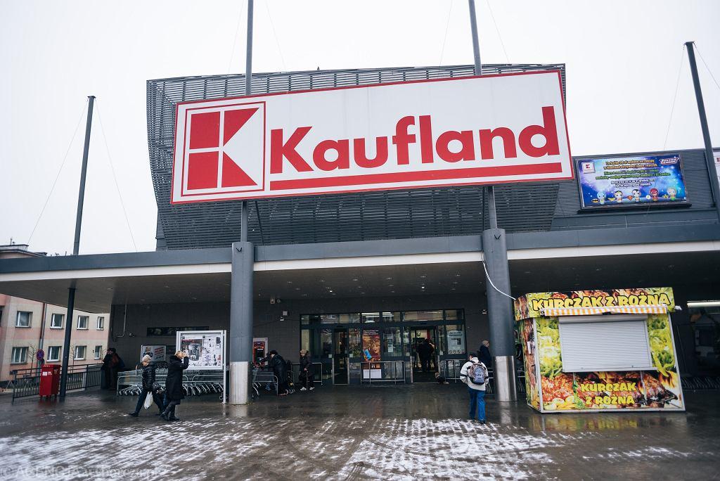 Niedziele handlowe 2018. Czy 30 grudnia sklepy będą czynne?