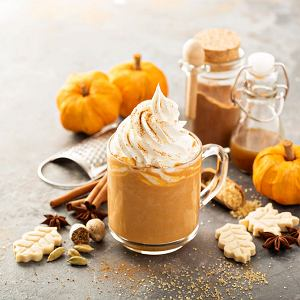 Słynna jesienna kawa Pumpkin Spice Latte