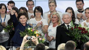 PiS - zwycięstwo totalne. Wybierali ich starzy i młodzi, ze wsi i z miasta.