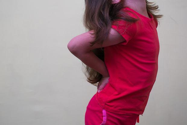 Ból pleców u dziecka. Jakie może mieć przyczyny?