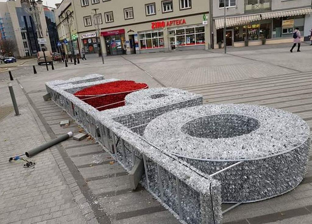 Zniszczone iluminacje w Opolu