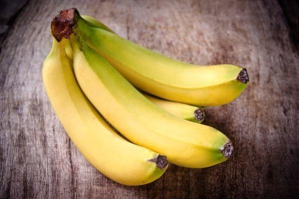 Banan jest źródłem witamin i składników mineralnych.