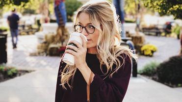 O której godzinie pić kawę, by chudnąć?