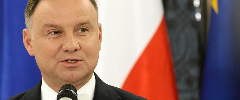"""Duda w """"Financial Times"""": Putin rozpowszechnia kłamstwa historyczne"""