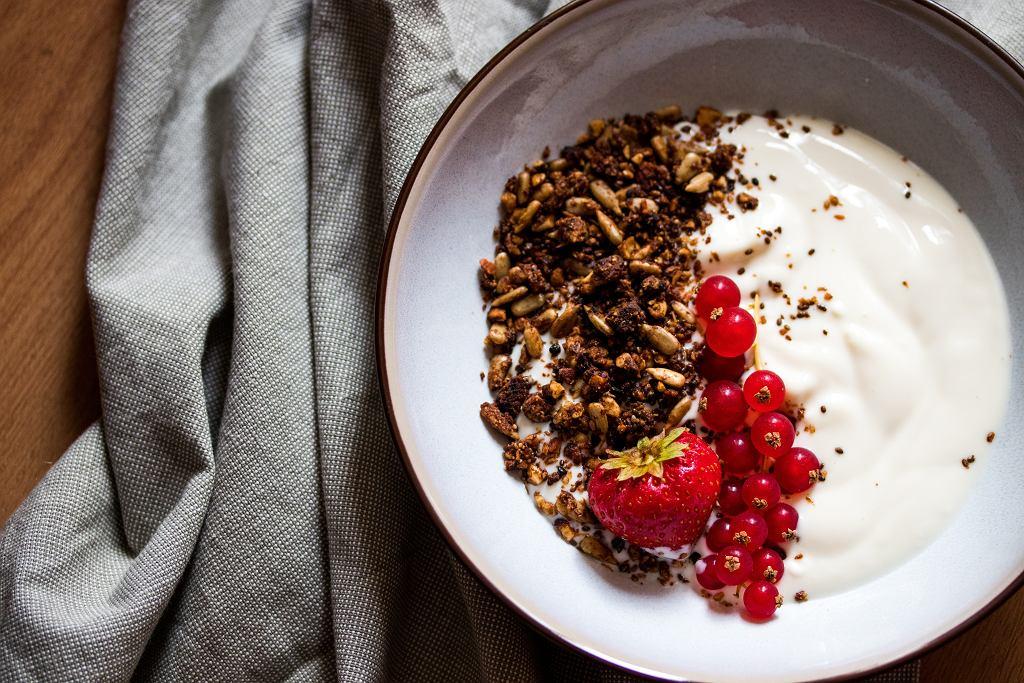 Domowa granola - idealny sposób na pożywne śniadanie.