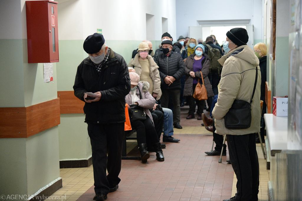 Rejestracja na szczepienia przeciwko COVID-19 dla osób 70 + w Szczecinie