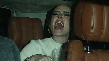 Adele została przyłapana przez paparazzi po weselu przyjaciółki. Gwieździe puściły nerwy. Była wściekła i zrozpaczona