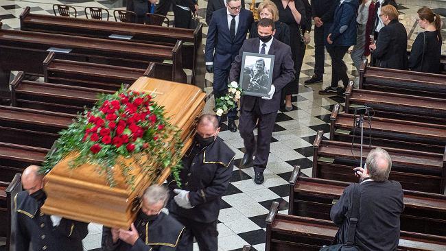 Pogrzeb w czasie pandemii. Jak wygląda pochówek zmarłego na COVID-19?