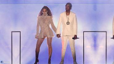 Na pierwszym miejscu listy 100 najlepszych piosenek XXI wieku magazynu Rolling Stone znalazła się piosenka 'Crazy in Love' Beyonce i JAY-Z
