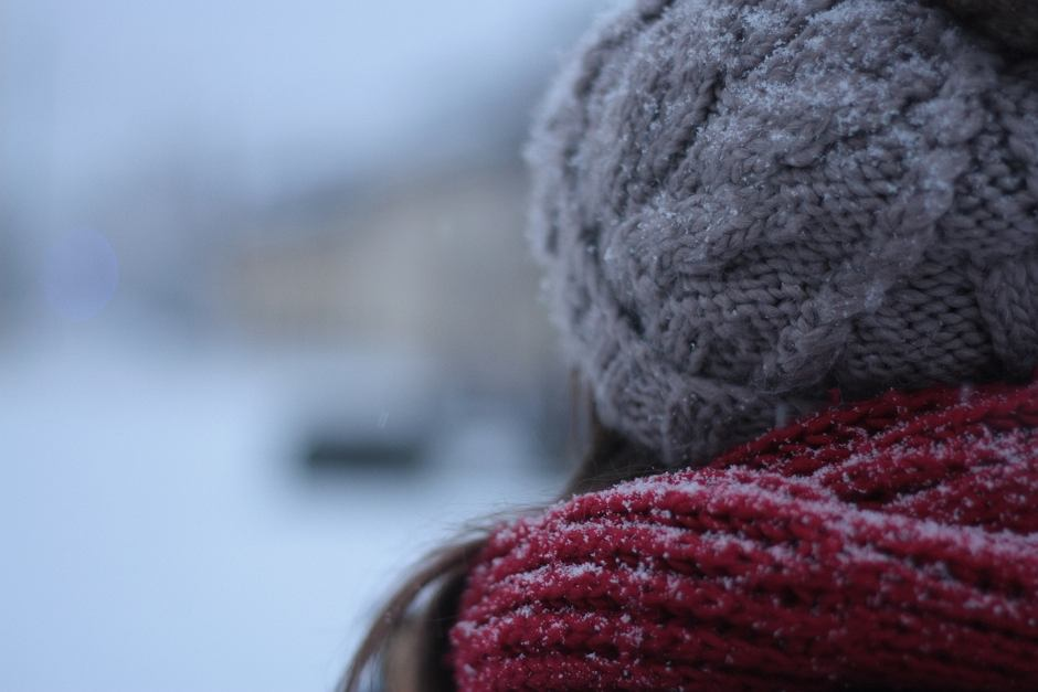 Zimą pamiętaj o dwóch zasadach - zmieniasz opony i krem (fot. Pexels.com)