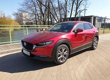 Opinie Moto.pl: Mazda CX-30 jest lepsza od crossoverów klasy premium, ale nie pod każdym względem