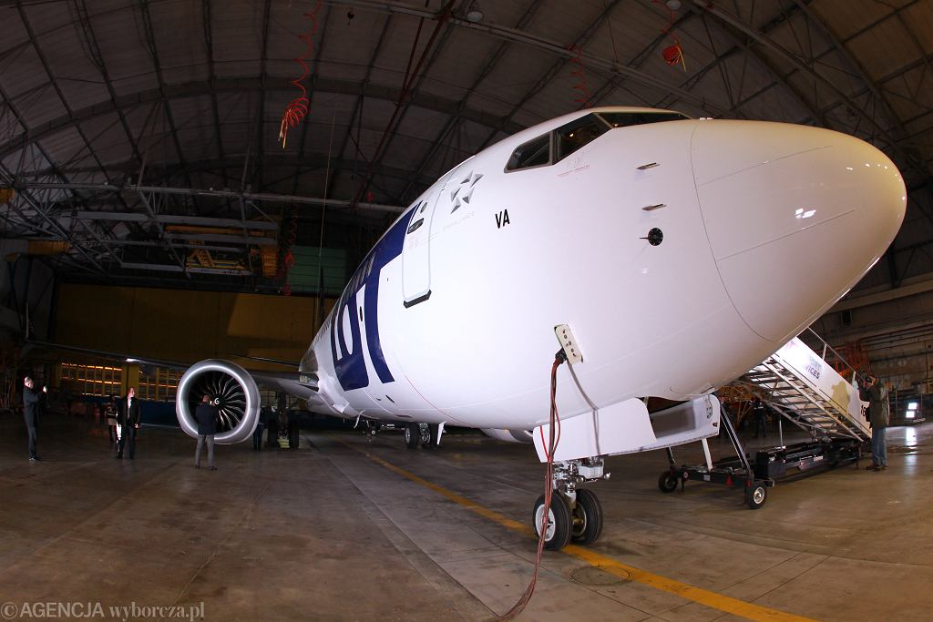 Pierwszy Boeing 737 Max B w barwach LOT. Prezentacja w hangarze na Okęciu, Warszawa, 2 grudnia 2017