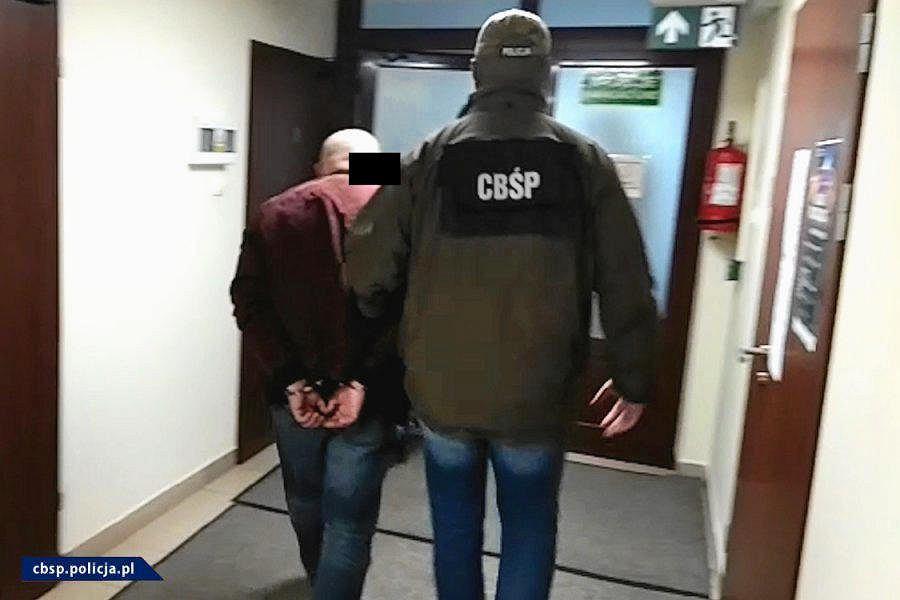 Śledztwo w sprawie grupy przestępczej zajmującej się handlem dopalaczami na wielką skalę