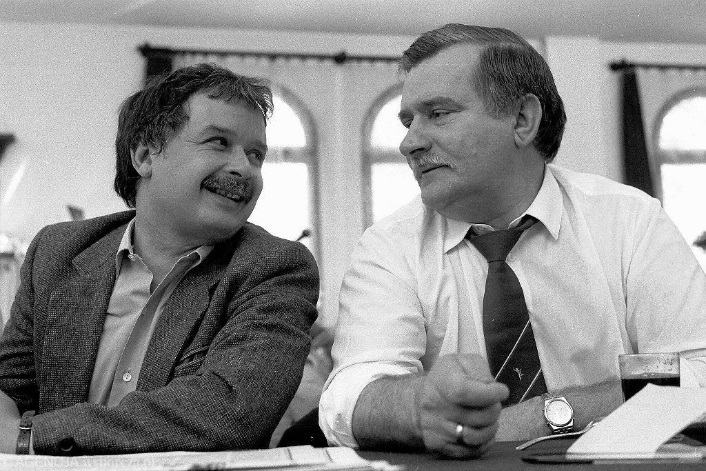 Lech Kaczyński i Lech Wałęsa w Stoczni Gdańskiej, 1990 rok