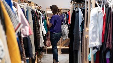 Levi's i Gucci otwierają lumpeksy. Sprzedadzą ubrania po okazyjnej cenie