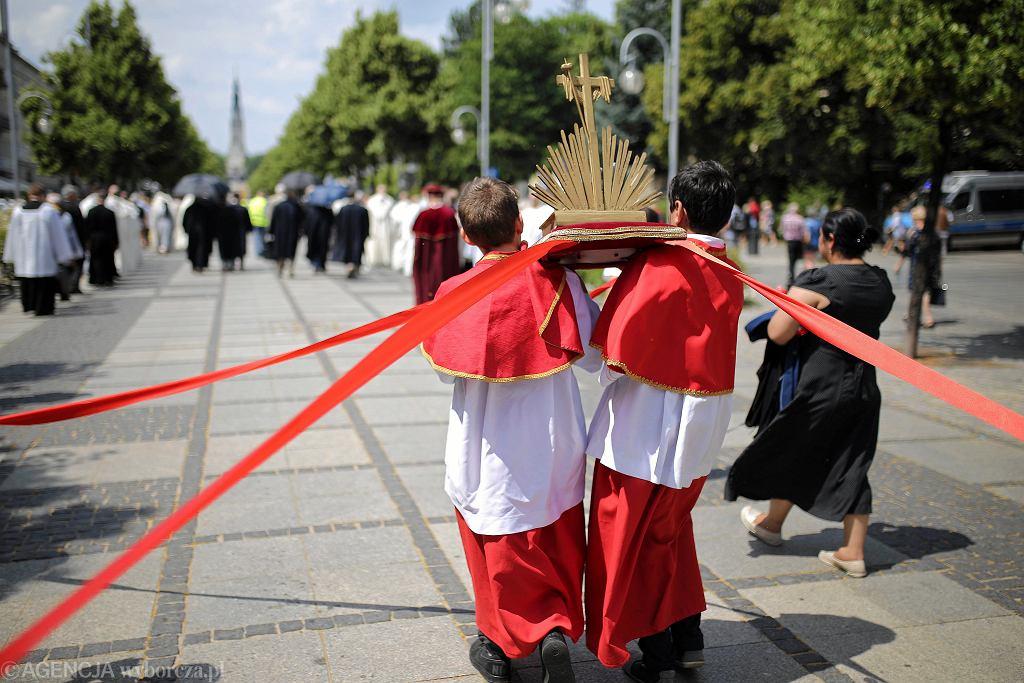 Boże Ciało. Czy post i msza święta są obowiązkowe? (zdjęcie ilustracyjne)