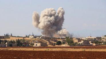 10.09.2018, nalot syryjskich sił rządowych na wioskę Hobeit w prowincji Idlib.