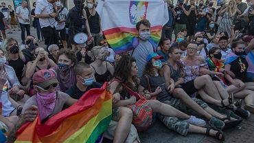 Pikieta w obronie aktywistki LGBT aresztowanej na da miesiące